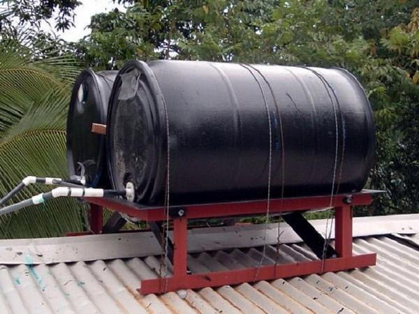 10 litrų talpos atsargų sandėliavimo galimybės)
